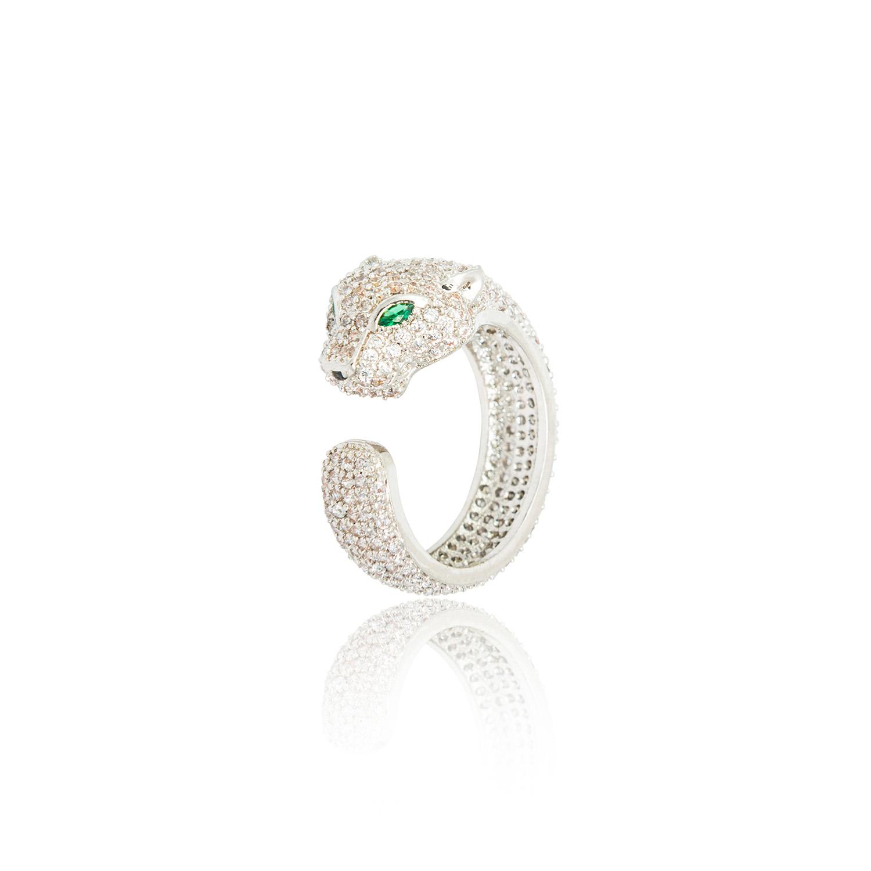 anillos de compromiso en forma de Leona con diamantes incrustados y dos ojos de esmeraldas